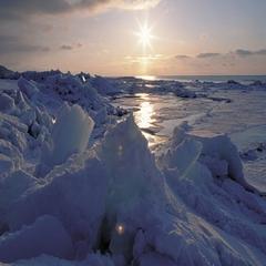 【流氷ウォーク体験付】冬の知床満喫プラン!初心者の方でもOK♪〜神秘的な世界を体感!〜