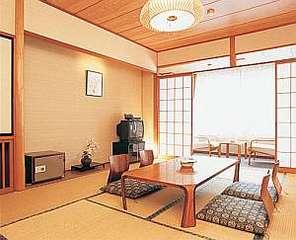和室10畳客室(渓流側のお部屋/洗浄機付トイレ付)【禁煙】