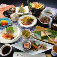 【旬彩会席(佳撰)コース】ご夕食はスタンダードな会席料理。お料理を楽しみながら播磨の旅を満喫
