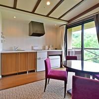 【ワイドルーム】55平米和洋室 (ベッド2台+6畳の和室)