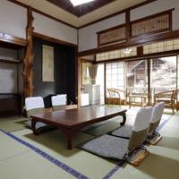 昭和の香り漂う景色良好な客室!眼下に宝川のせせらぎを眺むる『第一別館プラン』