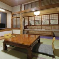2名様にお勧め!宝川が眼下に望める総檜葉造り本館6畳間客室プラン♪〜多少狭いですが割安です〜
