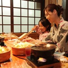 美しき宝川を眼下に望む 総檜葉造り「本館角部屋」を確約&夕食は個室風お食事処で♪