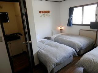 洗面トイレ付  2〜3人部屋