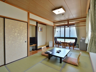 海の見える和室 7.5畳(ユニットバス付き)WiFi・喫煙可