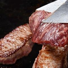 牛肉の鉄板焼き、ズワイガニ、お寿司など♪ディナーバイキングで満腹!