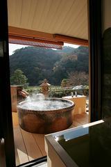 露天風呂付客室から眺める優雅なひととき