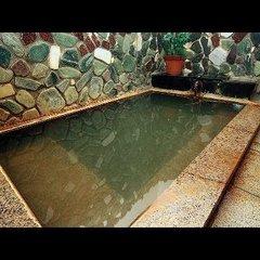 浜坂漁港獲れたての魚と松葉ガニが自慢の宿 安楽荘