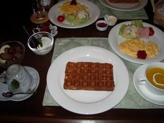 1泊朝食付、はなみずき名物ふわふわワッフル朝食