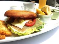 ◆連泊限定◆晴れた日はテラスで朝食を…人気のバスケット朝食プラン