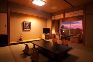 【喫煙】和室12.5畳★4〜5階限定★温水トイレ・バス付