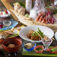 《お料理グレードアップ》お刺身の舟盛り・ノドグロの塩焼きなど贅沢食材を味わう