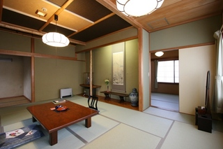 本館和室8〜12畳(ウォシュレットトイレ付き)