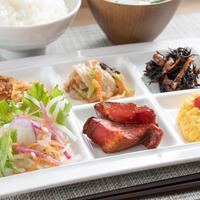 【ロフトベッド型】◆スーパールーム◆3名様までOK★毎朝、有機JAS認定野菜使用のサラダ♪