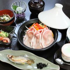 ヘルシー★【上州麦豚タジン蒸し】旬菜たっぷり夕食はお部屋で♪