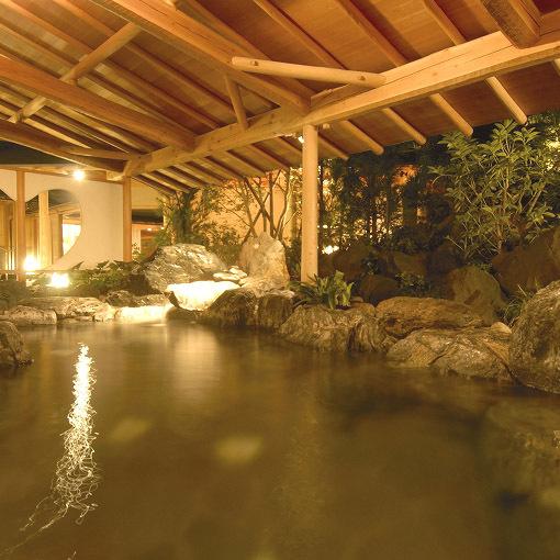 【23時チェックインOK♪】【夕食なし】本館大浴場の16趣湯巡りも無料でOK♪≪1泊朝食付≫