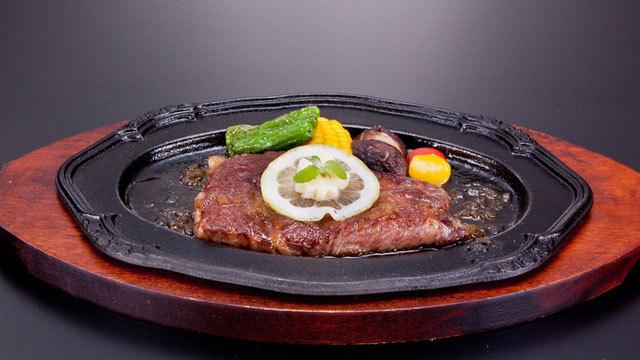 【1〜3月グルメプラン】幻のブランド牛「雫石牛」のステーキ(150g)付きプレミアムビュッフェプラン
