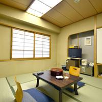 和室8畳(山側)◇客室バスは源泉供給