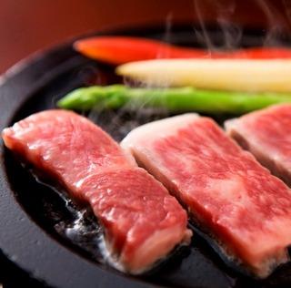 W贅沢会席!カニフルコースに+但馬牛ステーキがお得に食べられる!【但馬牛付きカニフルコース会席♪】