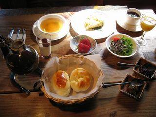 【1泊朝食】焼きたて手作りパンの洋風家庭朝食と「高原の美味しい水で淹れたサイフォン珈琲」を堪能