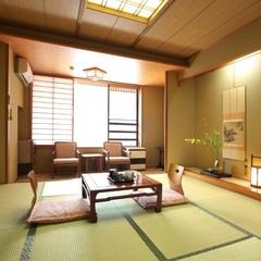 和室8畳〜10畳 (和風の佇まいを活かしたお部屋です)