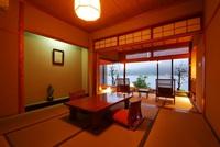 1階和室8畳+広縁4畳(禁煙)◆夕食は会場食【川側】