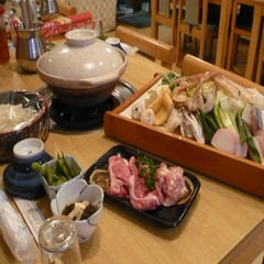 夕食はボリューム満点!!海鮮・牛肉・鶏肉・おなか満足♪【寄せ鍋♪】1泊2食付きプラン★