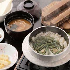 【山菜or五目】釜飯のお夜食付!♪チェックイン20時までOK♪1泊朝食付プラン