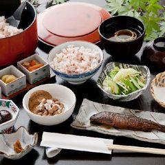 【朝食付】チェックインは当日22時までOK☆天然温泉「美人の湯」とみなかみの大自然の中で朝食を満喫