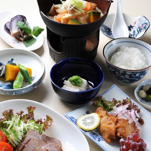 【2食付き】山梨観光の拠点に最適♪田舎料理を味わう。