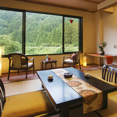 ◆山側寛ぎ和室◆『スタンダード』10畳+広縁 (Wi-Fi)