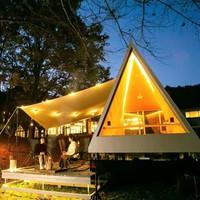 森に包まれたアウトドアキャビン・境界のない部屋で過ごす贅沢【1日1組限定・2食付】