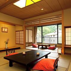 【新館】こもれびの館〜KOMOREBI〜★中庭と渓谷を望む