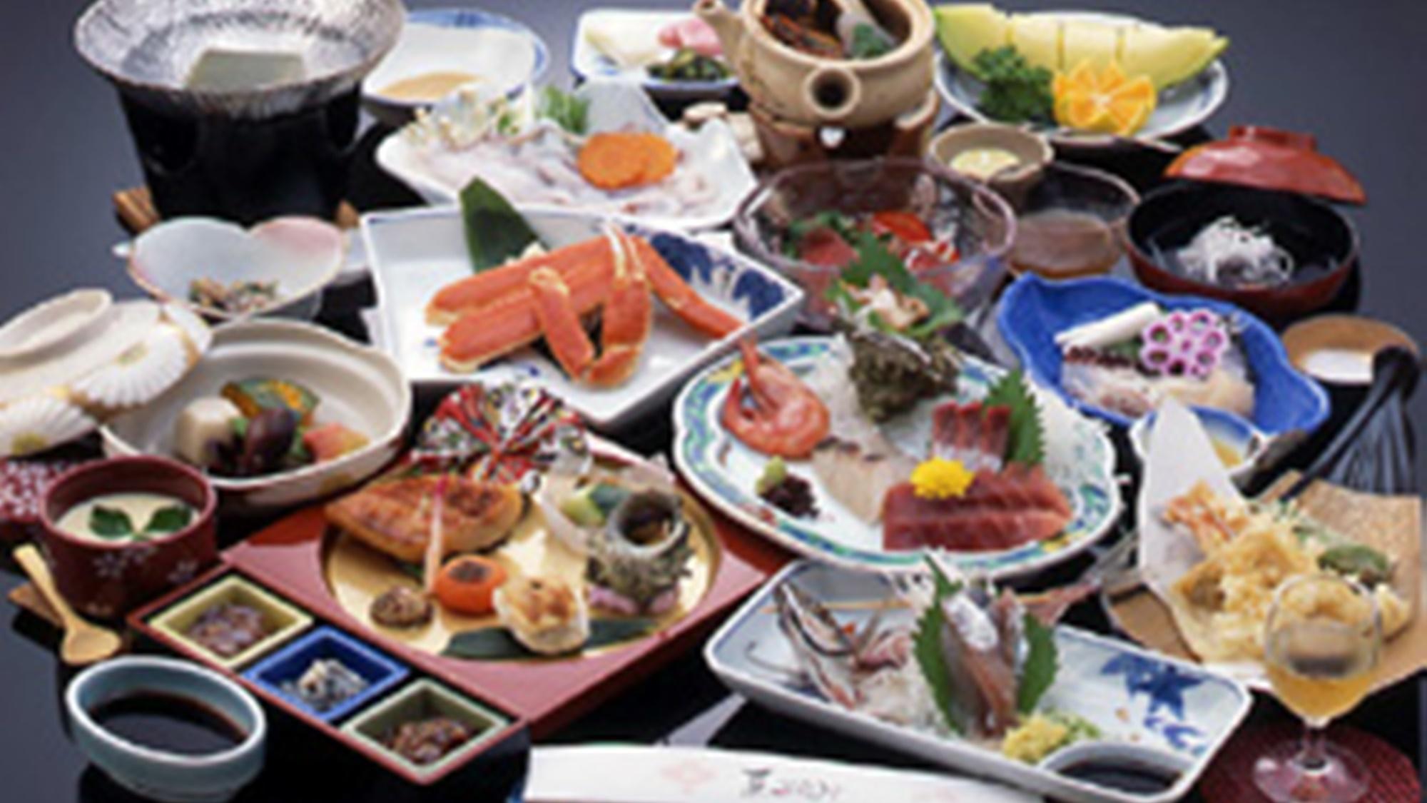 人気のお料理をグレードUP★ズワイ蟹半身付で13品(1泊2食付C)