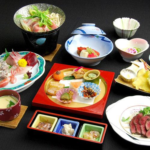 【スタンダード】素材の良さがウリ☆新鮮能登の海山料理11品(1泊2食付B)