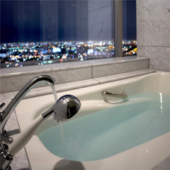 【カップルプラン♪】30階スイートルームで上質な時間を・・・★彡<31階天然温泉入浴券&朝食付>