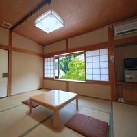 シンプルな京の和室(禁煙・無料Wi-Fi)