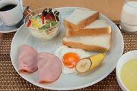 選べる夕食と朝食が付いた「エルボンセット」