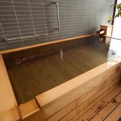 【楽天スーパーDEAL】かけ流し檜風呂付プレミアムルームでくつろぎのステイ!