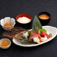 特典付!3名様ご利用【1泊2食&ドリンク付】夕食2000円券でお好きな食事を選べるプラン