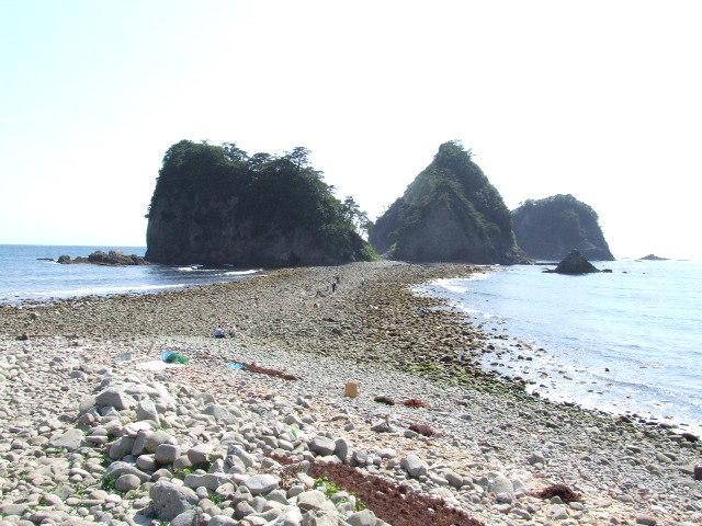 引き潮の時だけ渡れる三四郎島