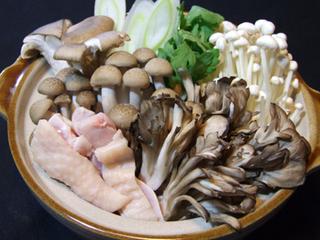 健康にダイエットに最適♪キノコ鍋付ヘルシープラン♪鮭川村は1年中色々なキノコを栽培。馬刺し付です!