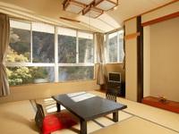 本館和室10畳タイプ 渓谷側のお部屋