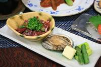 【贅沢1泊2食】《朱雀》『あわび&牛ハラミ陶板焼き』と『若鶏鍋』と『特製豚の角煮』