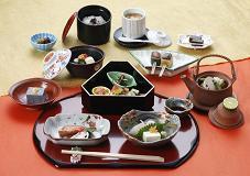 京都定番旅プラン〜日月庵京会席付〜湯葉会席か日月会席どちらかチョイスの2食付プラン