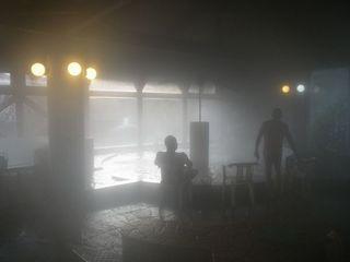 ★海鮮付バーベキュー夜は健康ランドで温泉楽しみ(生ビール・焼酎・ソフトドリンク他飲み放題)朝食なし