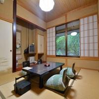 【本館】庭園を見晴らせる 和室10畳 【紫陽花・躑躅】