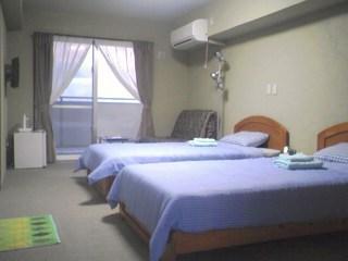 バリアフリー洋室【1階】☆シングルベッドのお部屋☆