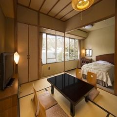 西館和洋室(和室8畳+2ベッド)【喫煙】