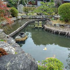 奈良町の古寺・十輪院の朝の勤行・体験作務に参加する!